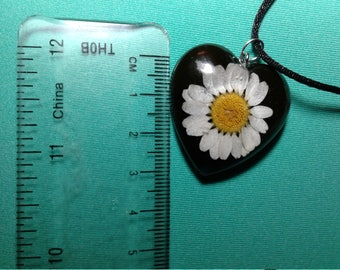 boho Daisy necklace resin handmade flower
