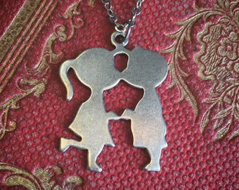 Kissing Necklace