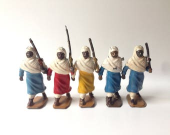 Britains Toy Soldiers Set #187B Arabs of the Desert on Foot 5 Pieces