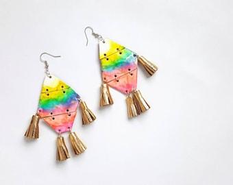 Boucles d'oreilles géométriques, boucles d'oreilles frange, Tie Dye, boucles d'oreilles tendances, Beachy bijoux, boucles d'oreilles Tropical, Boho, boucles d'oreilles colorées, boucles d'oreilles bohèmes