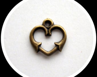 1.6 cm heart shaped charm bronze