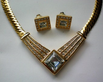 Napier V Necklace with Pierced Earrings - 3793