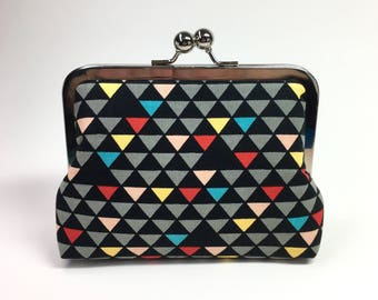 Kisslock Clutch Purse - Medium - Triangles Black