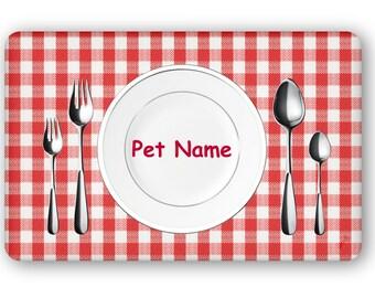 "Personalized ""Dinnertime"" Pet Food Mat"