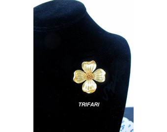 CROWN TRIFARI Pin / Brooch * Gold Tone Flower * Classic Vintage