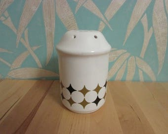 1960s/70s Republic of Ireland ceramic flour sifter