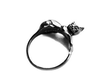 Familiar | Ring in Black ~ Witchy Cat Ring by Trickery