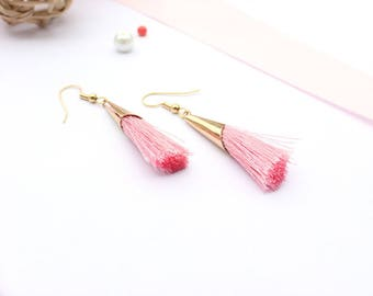 Tassel earrings / gold and pink earrings / chic earrings / earrings chic tassels