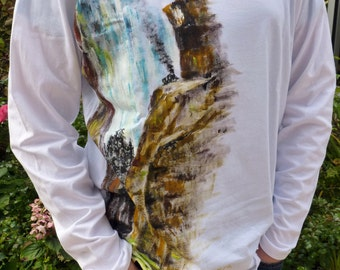 """White sleeves T-shirt long size L for man theme """"Train in the rocks"""" painted by hand by Valerie"""