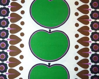Green apple & mod daisy flower ARISTOLON unused polycotton fabric - price per metre - French 60s 70s vintage