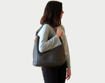 Large Vegan Shoulder Purse, Gray Tote Purse, Everyday Minimalist Bucket Purse, Chic and Trendy purse, Vegan Purse Gift, Faux Leather Purse
