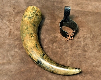 Drinking horn, natural finish, real Viking horn, with belt holster