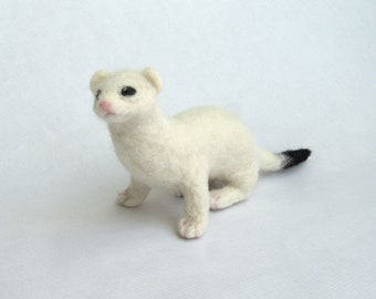 Needle Felted Ermine/NeedleFelted Animal/Soft Sculpture/Gift/Wool/Forest animal/OOAK/Natural Fiber/Collectible