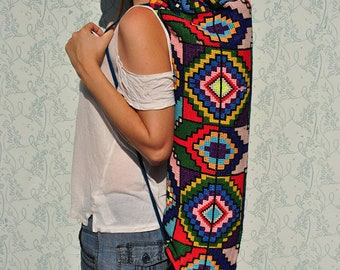 Yoga mat bag, yoga bag, yoga bag womens, yoga mat holder, colorful yoga mat bag, pilates bag, yoga mat carrier, upcycled bag, repurposed bag