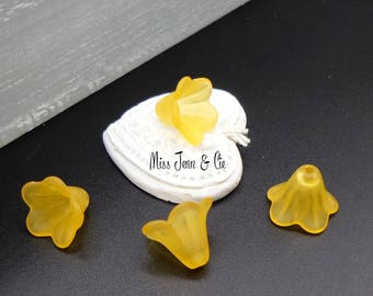 6 acrylic beads Fleur de Lis with deep yellow 14 mm x 10 mm
