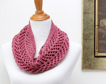 Lightweight pink cowl. Rose pink lace cowl for mom. Silk & wool lace cowl. Spring cowl for mother. Hand knit lace scarf. Little luxury cowl.