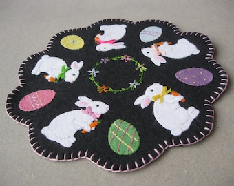 PDF Pattern: Bunny and Egg Penny Rug, Instant Download, Spring / Easter Decoration