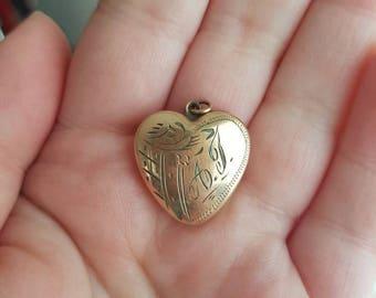 1950's Gold Sweetheart Locket Sentimental Jewelry