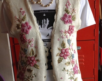 Vintage hipster 80s Alyssa Brooke womens floral embroidered with crochet trim sweater vest size medium free domestic shipping