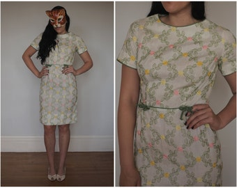 Vintage 50's/60's Embroidered Floral Wiggle Dress with Bows by Puritan Forever Young | Small