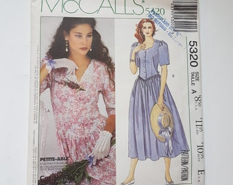 """Laura Ashely Sewing Pattern for Dress w Sweetheart Neckline & Basque Waist Vintage 90s Sizes 6 8 10 Bust 30.5-32.5"""" (78-83 cm) McCall's 5320"""