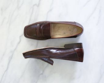 1990's Vintage Brown Leather Loafers // Joan & David Leather Flats
