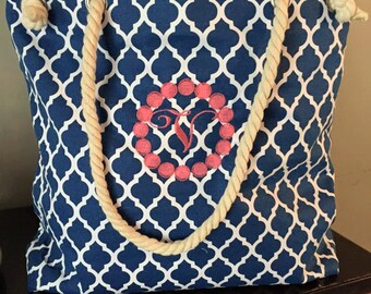 Quatrefoil patterned tote bags with rope handles.  Perfect for the beach or pool