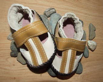 Soft sole leather sandals, baby & toddler, handmade shoes, kids moccasins, baby gift, booties, flexible and lightweight, first walking