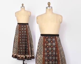 Vintage 70s Indian Wrap SKIRT / 1970s Ethnic India Cotton Batik High Waisted Bohemian Skirt