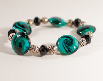 Green & Black Glass Bead Stretch Bracelet