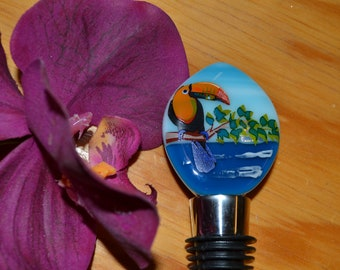 Toucan Wine Stopper, Fused Glass, Wine Lovers Gift, Tropical Bottle Stopper, Unique Gift, Housewarming Gift, Mothers Day Gift, Wedding Gift