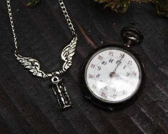 Memento mori necklace, vanitas jewelry, victorian mourning jewelry, victorian necklace, gothic jewelry, dark style, carpe diem, goth pendant