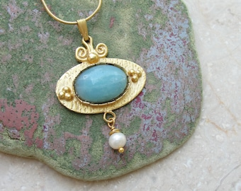 Jade and Gold Necklace Jade stone and Pearl
