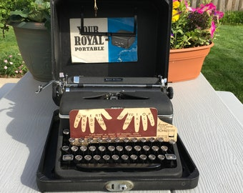 Royal Quiet DeLuxe Typewriter Glass Keys Royal manual typewriter from 1940's with case