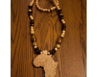 Beige Africa Wood Beads Necklace