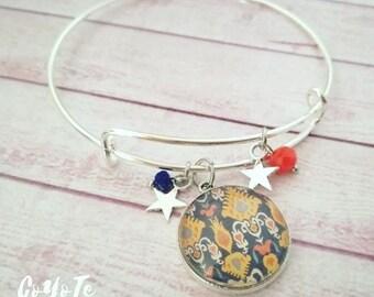Rigid bracelet, Ikat cameo pendant, Glass cabochon, boho