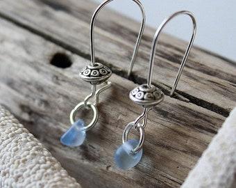 Sale 20% Rabais Sea glass earrings, seaglass earrings, ocean earrings, tumbled glass earrings, green earrings, clear earrings, blue earrings