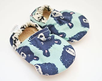 Bear baby shoes, baby booties, baby moccs, baby shoes boy, baby shoes girl, toddler shoes, mint baby shoes, bear, baby gift set