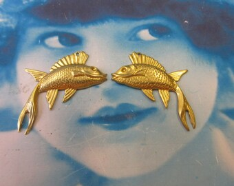 Raw Brass  Fish Stampings Charms Pendants 173RAW x2