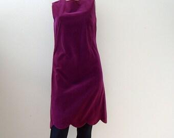 1960s Party Dress / violet velvet a-line sheath with scalloped hem / vintage cocktail attire