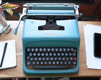 1960's Vintage Olivetti Underwood Typewriter with Case