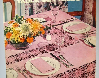 Vintage Table Settings Crochet Pattern Book, New Look in Table Settings, Coat's and Clark's No 321