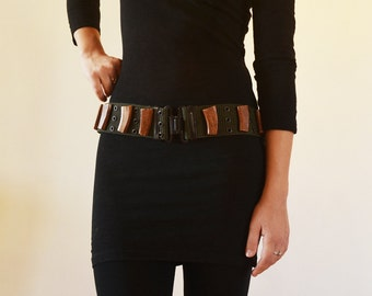 Military belt with wooden details