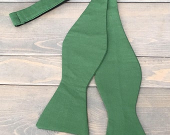 Green Bow Tie - Mens Bow Tie - Self Tie