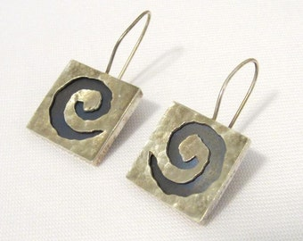 SALE Vintage sterling silver Swirly Earrings