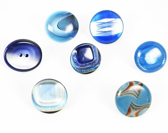 Rings with vintage buttons in shades of blue, adjustable