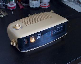 Restored - Panasonic RC-6001 Flip Clock Radio Space Age - 110V/60Hz