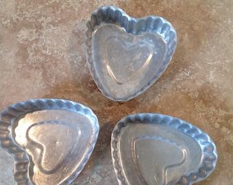 Valentine bakeware! individual heart tins