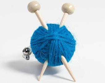 Ball of Wool & Knitting Needles Brooch - Blue Yarn Pin Badge