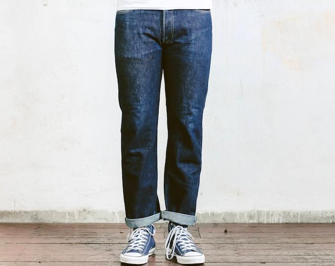 Levis 501 Dark Denim Jeans . Vintage Jeans Dark Wash Dark Blue Denim Pants Dad Jeans Casual Trousers . size W31 L36